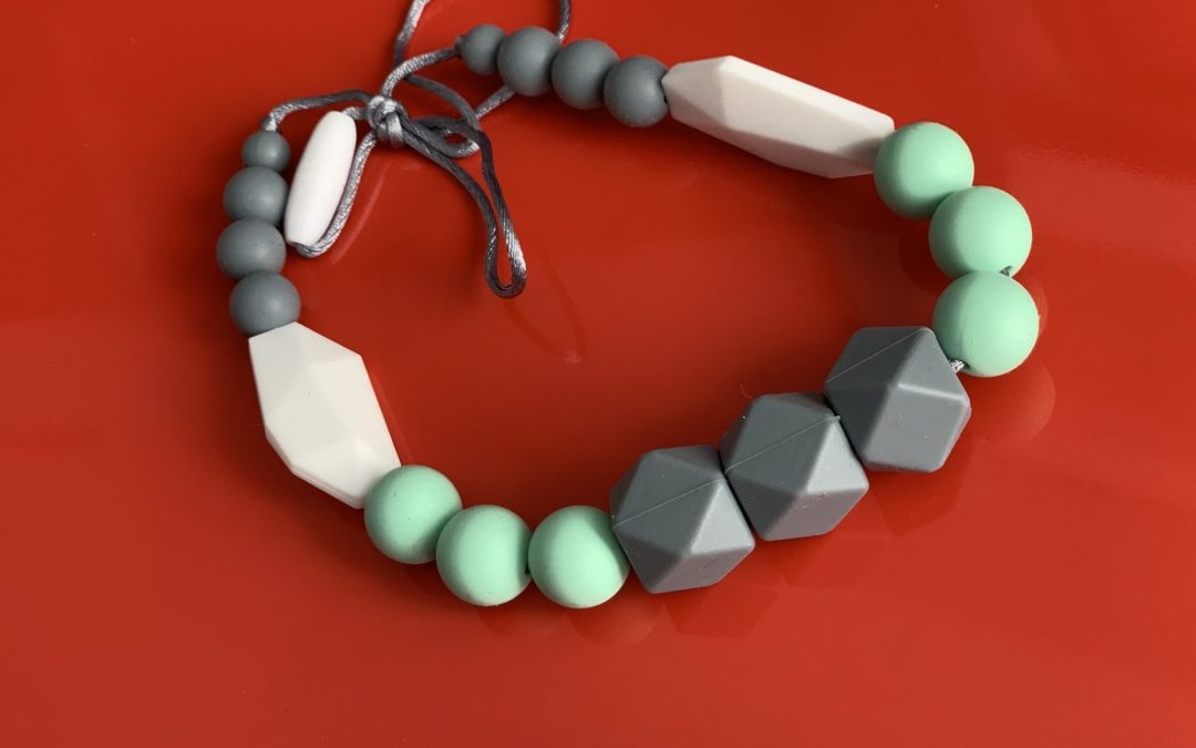 Avoid Using Baby Teething Jewelry to Relieve Pain